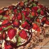 Laktosefri lagkage med jordbær og kiwi
